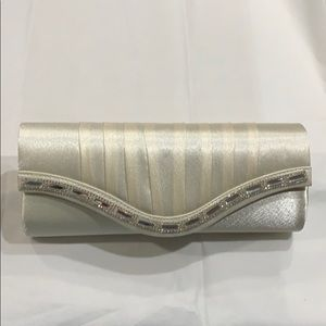 Icing Bags - Ivory Satin Evening Bag Clutch Converts w/Straps
